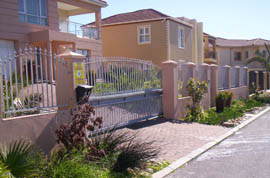 dc metalworks - driveway gates and fencing - 2